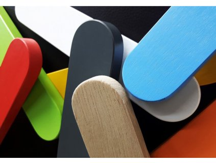 Úchytky pre izbu Tomi/Loop/Svend - viac farieb